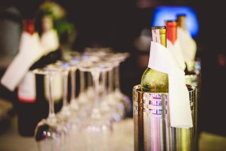 Jaki szampan na wesele wybrać?