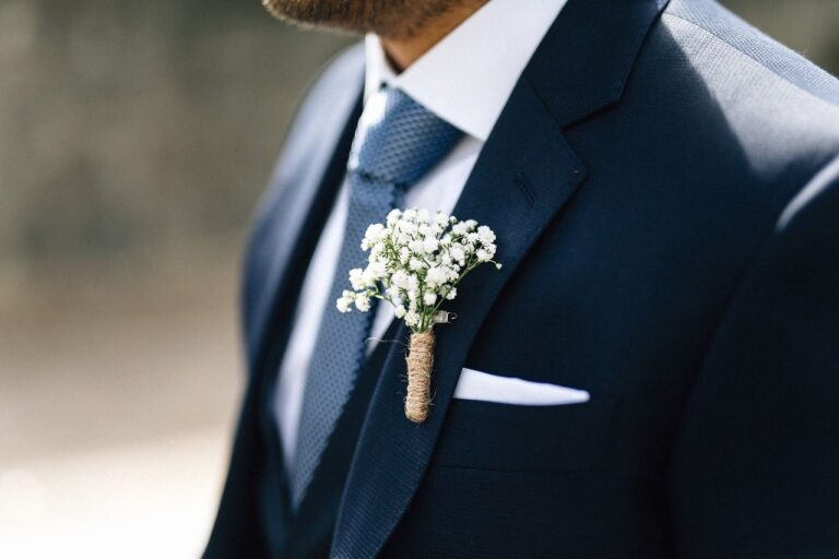 Czy składanie poszetki na ślub ma znaczenie?