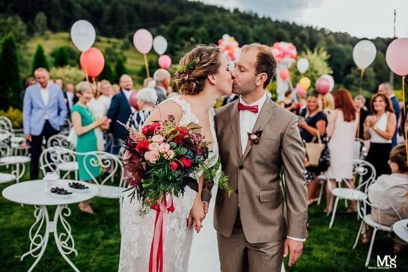 uroczystość ślub w ogrodzie