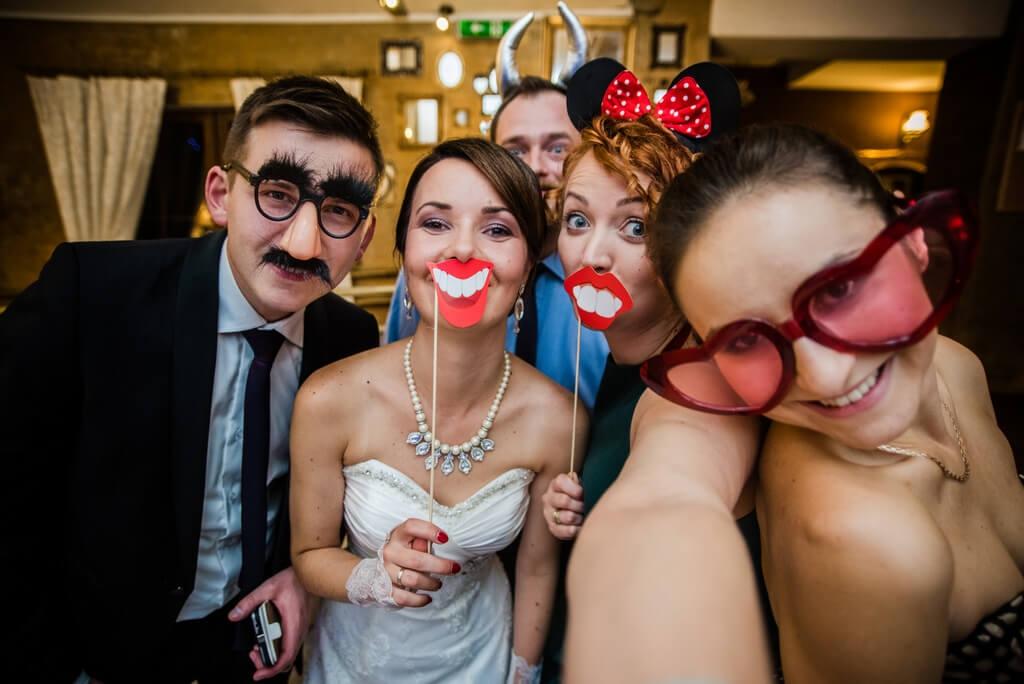 ciekawe zabawy na wesele