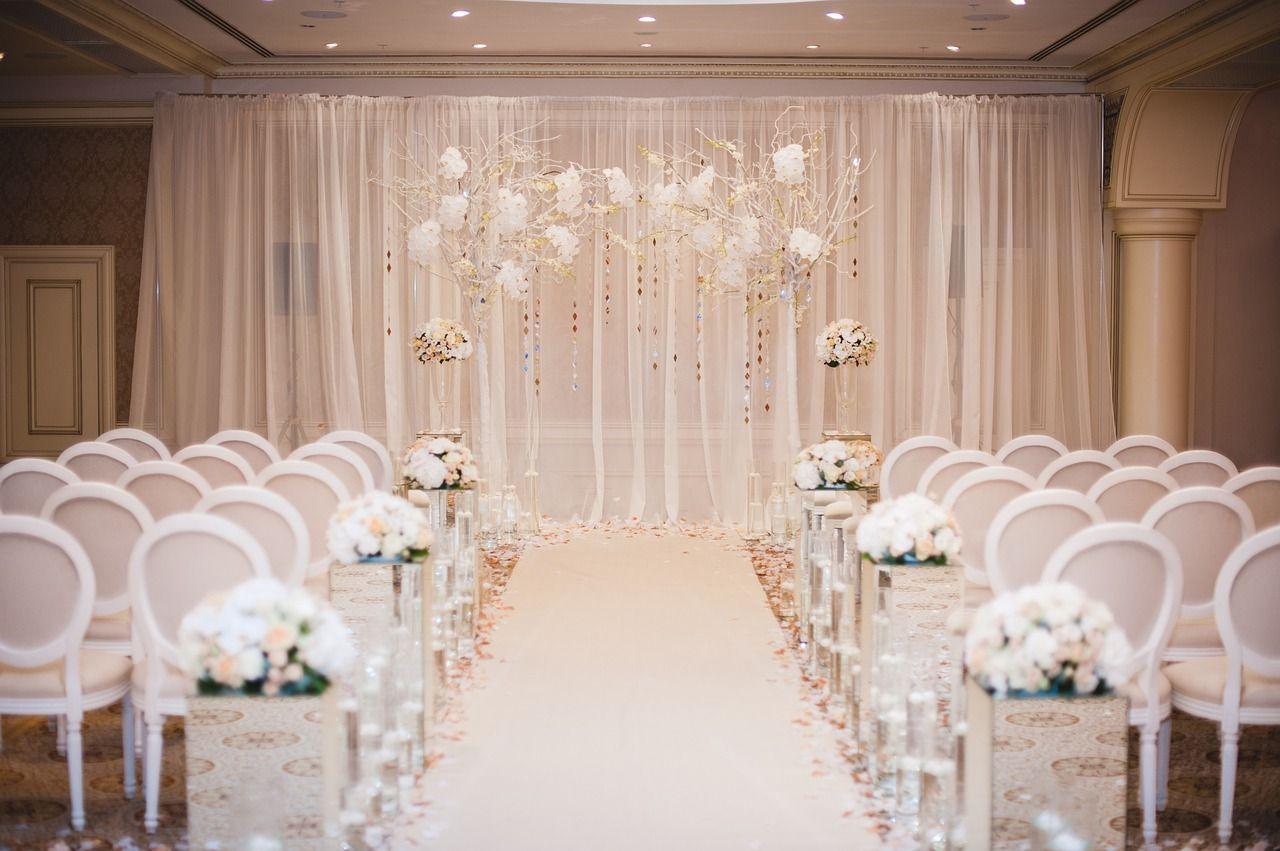 Umowa na wesele - na co zwrócić uwagę?
