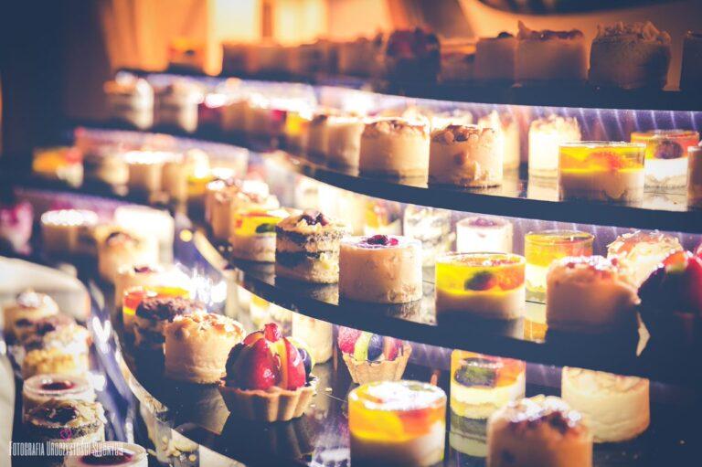 Ciasta na wesele – wszystko, co musicie wiedzieć o słodkim poczęstunku