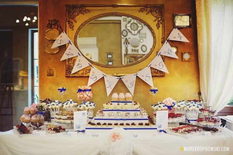 Ciasta i desery na wesele – jakie podać?