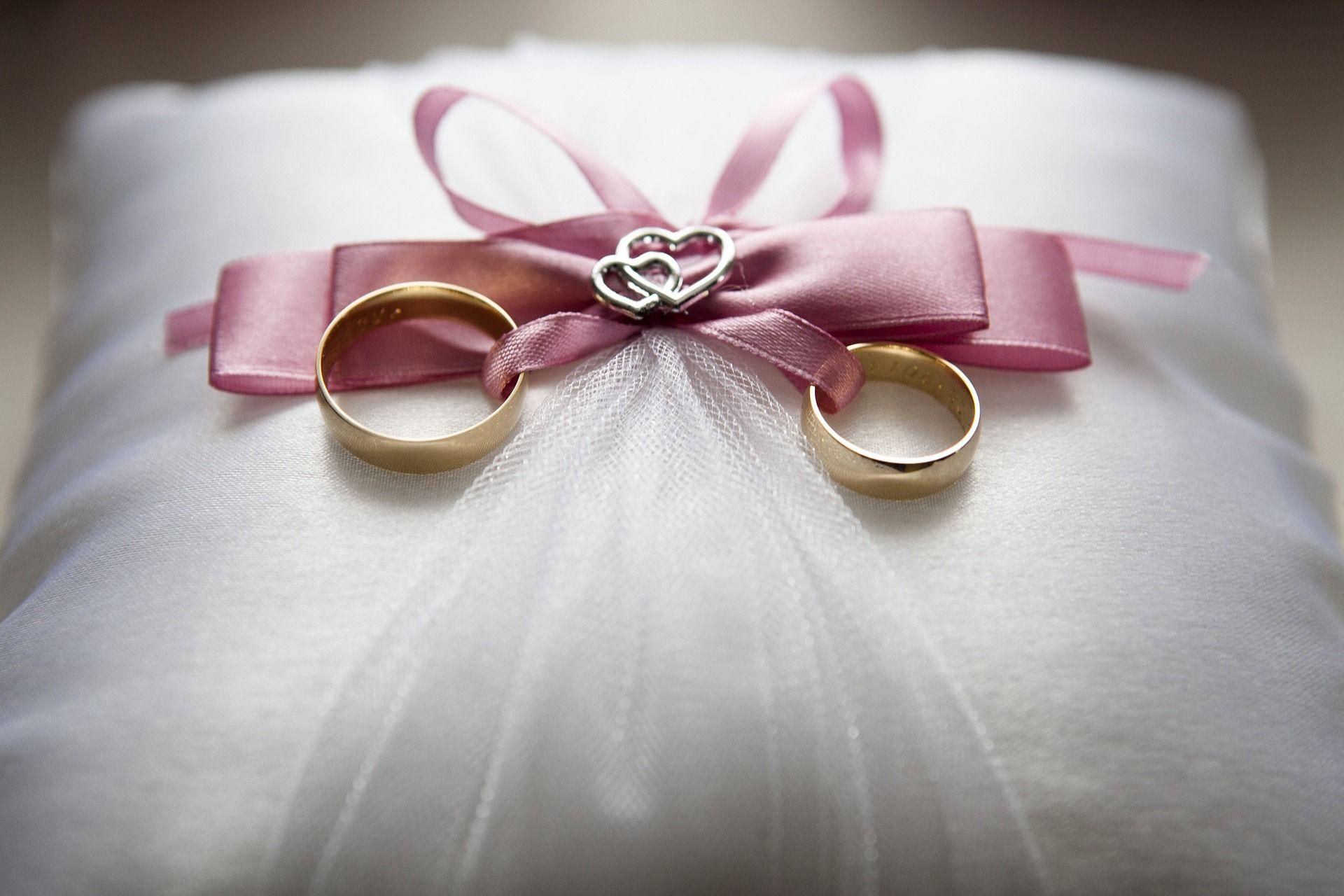 Jak wybrać obrączki ślubne i na co zwracać uwagę?
