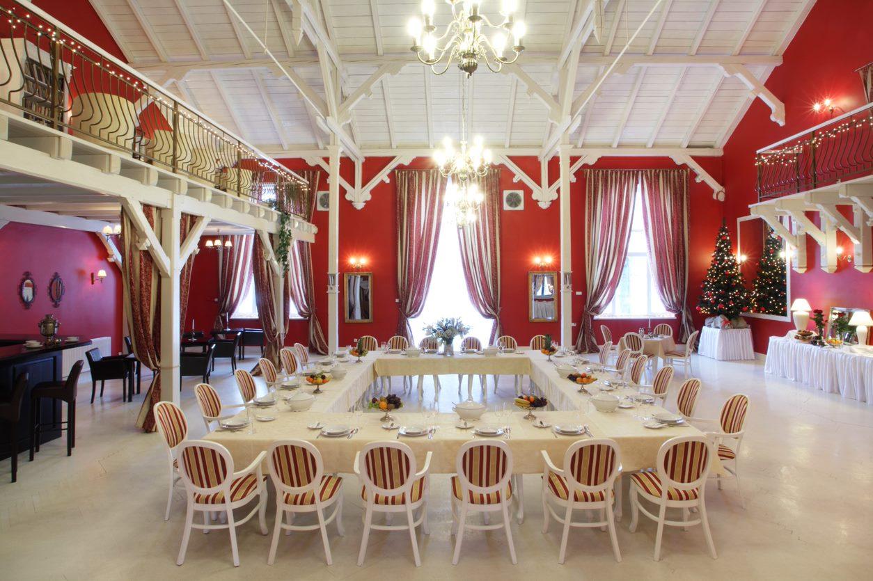Rozmieszczenie gości weselnych – jak sprawić, by każdy czuł się dobrze?